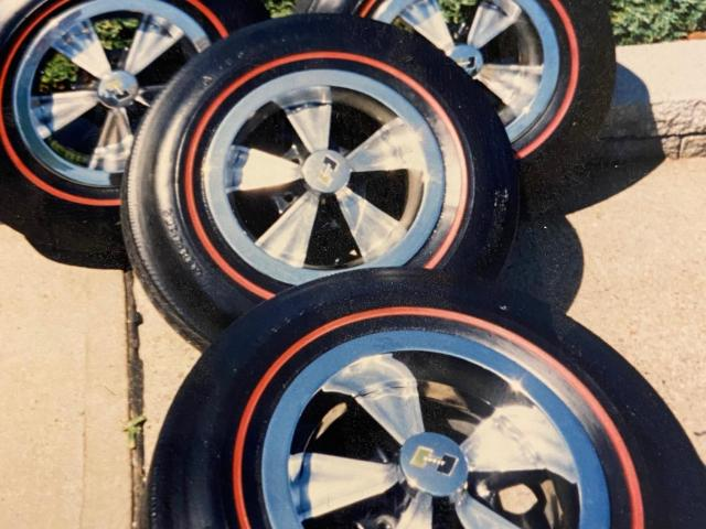 Hurst Wheel, trim rings, center and lug nuts - 1/1