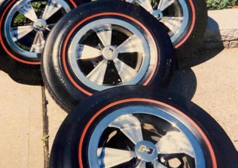Hurst Wheel, trim rings, center and lug nuts
